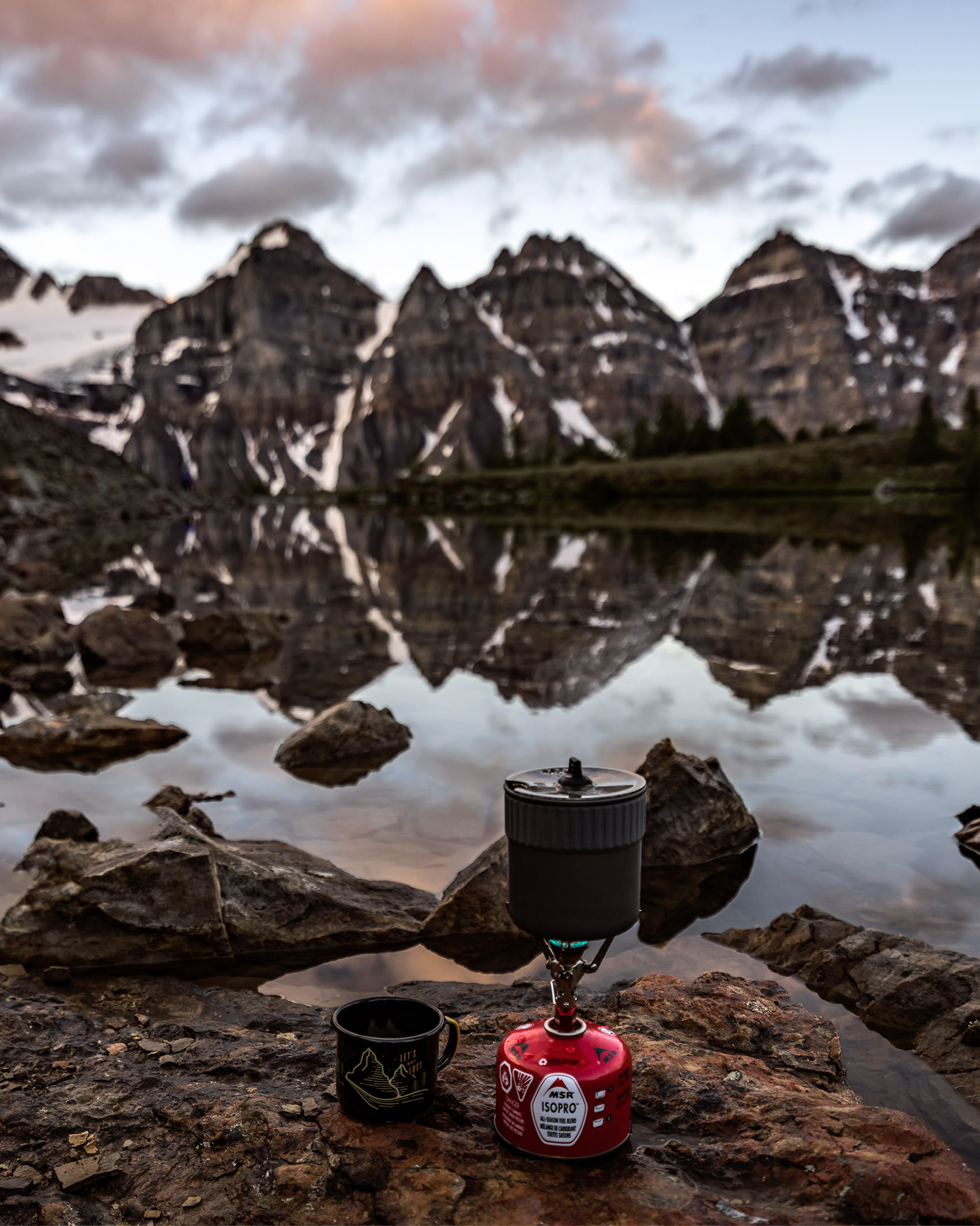 Sunrise Coffee Valley of ten peaks Moraine Lake
